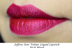 Jeffree Star_Velour Liquid Lipstick_Rich_Blood-Swatch