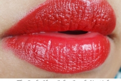 The_Body_Shop_Color_Crush_Lipstick_Red_Siren_Swatch
