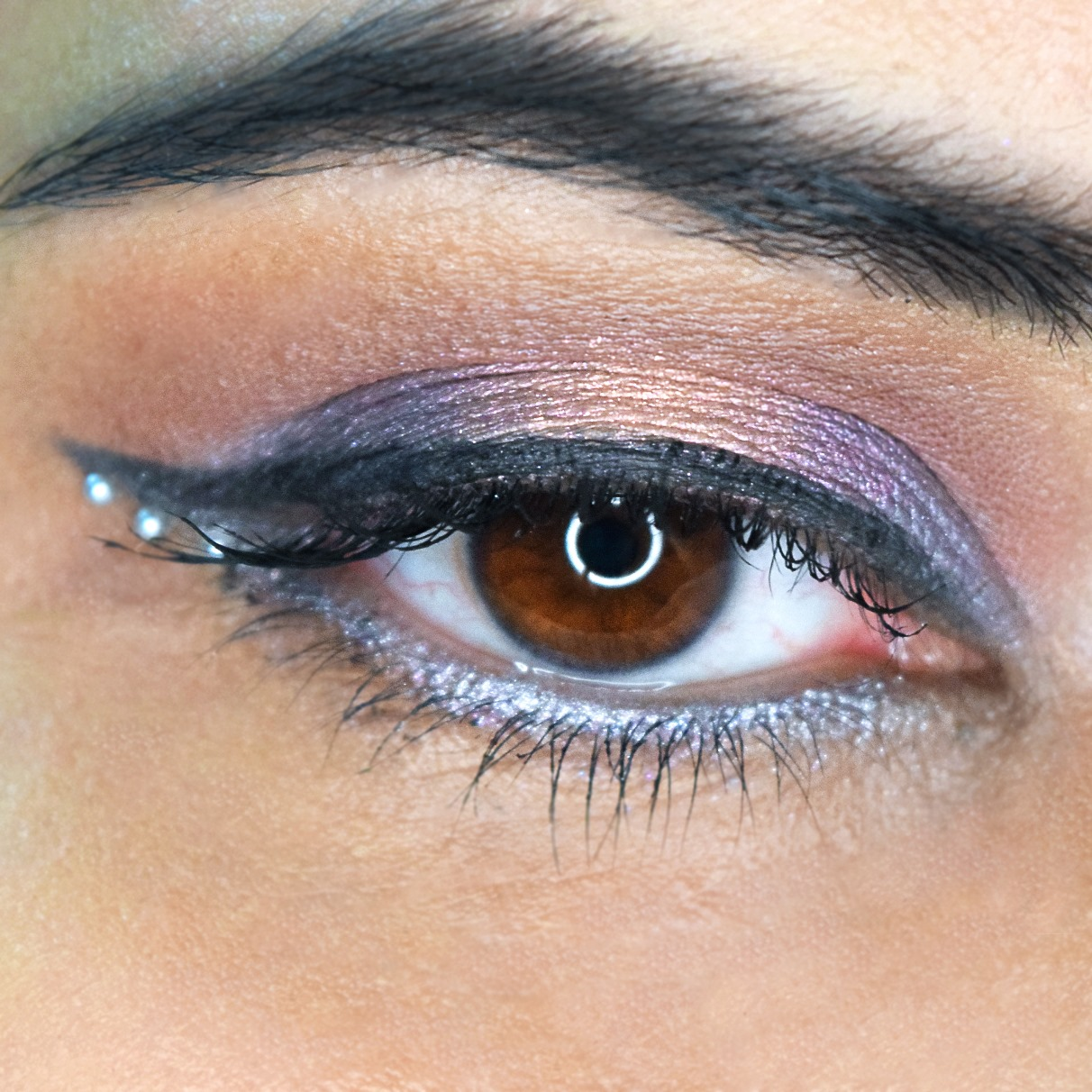 e7f19722c7d Back with another quick tutorial that I did for my insta account. I managed  to get my hands on the Norvina palette from Anastasia Beverly Hills ...